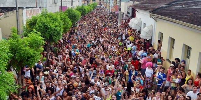 Sucesso de público e organização no carnaval de Tremembé 2014