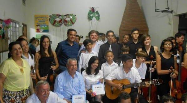 Autoridades conhecem Projeto Fazendo Arte e são recepcionados pelo prefeito Vaqueli