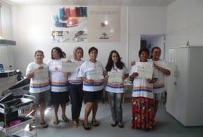 Fundo Social entrega certificados a alunos do curso de Assistente de Cabeleireiro