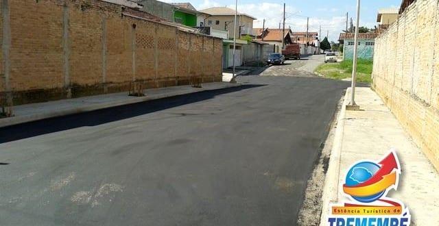 Asfalto chega a nova travessa da Rua Passa Quatro no Parque das Fontes