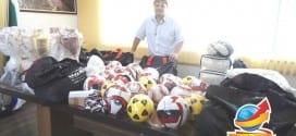 Vaqueli recebe kits esportivos que beneficiarão crianças e adolescentes no município