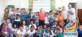 Primeira Dama Andrea Vaqueli distribui ovos de páscoa para crianças de Projetos Sociais do Município