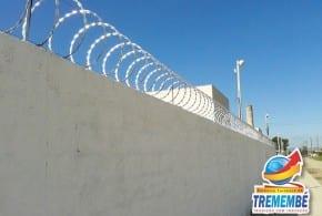 Prefeitura inicia instalação de cercas de proteção em escolas para segurança dos alunos