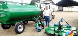Prefeitura de Tremembé conquista um tanque pipa, uma roçadeira hidráulica e um perfurador de solo
