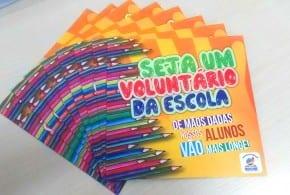 Prefeito homenageia voluntários que atuam na Rede Municipal de Ensino
