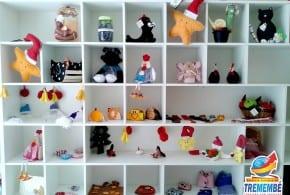 Fundo Social de Tremembé realiza venda de artesanato natalino variado no Mercado Municipal