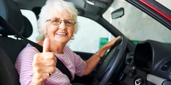 Prefeitura está emitindo carteira de estacionamento especial para idoso e deficiente