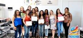 Fundo Social faz entrega de certificados aos formandos do curso da Escola da Beleza