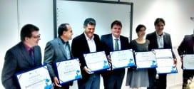 """Prefeito Marcelo Vaqueli recebe o prêmio """"Prefeito Empreendedor"""" do Sebrae"""