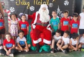 Prefeitura realiza 2º natal com entrega de presentes aos alunos