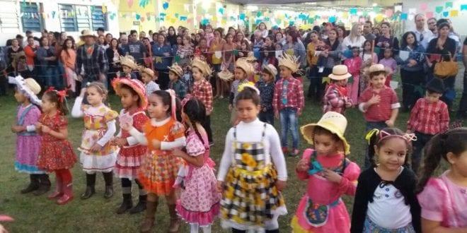 Venham participar das Festas Juninas nas escolas de Tremembé!  Comidas típicas, brincadeiras e danças folclóricas, participe você também!
